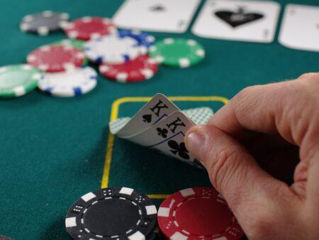 Därför är poker fortfarande det perfekta sällskapsspelet